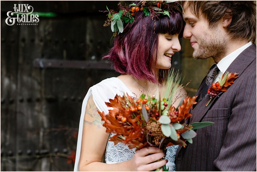 A;ternetive autumn themed wedding with berries and flower corwn