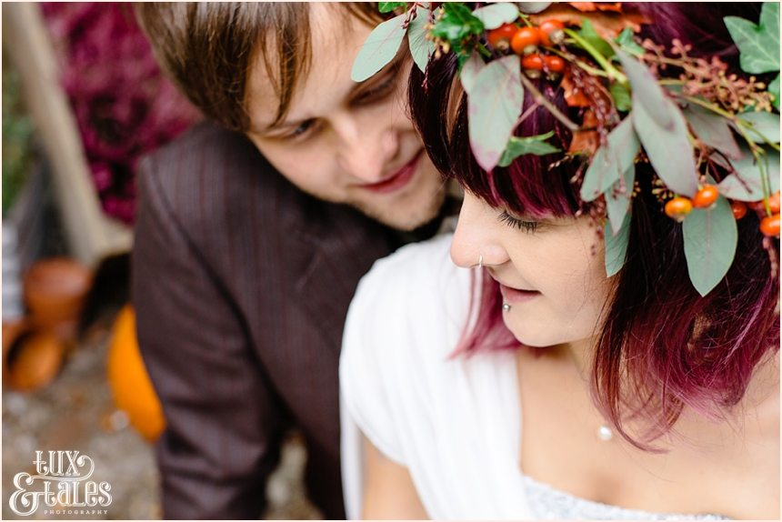 autunal themed wedding with alternative couple