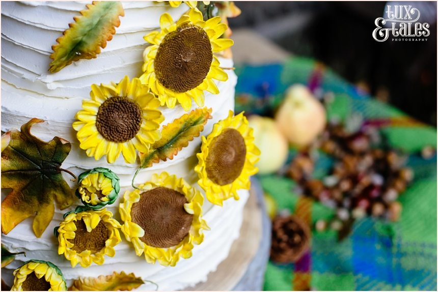 Sunflower wedding cake autumn theme