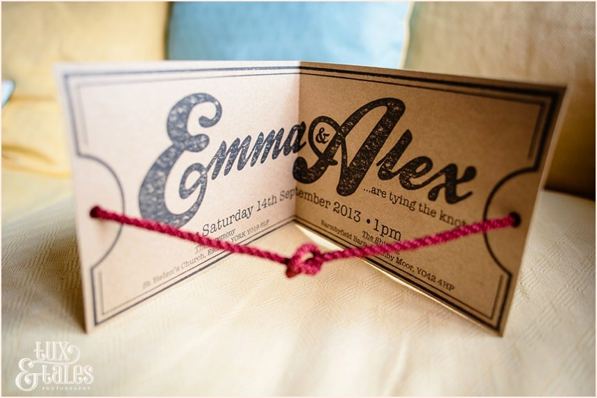 Tie the knot wedding invitation for wedding with wood theme