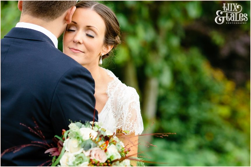 Barmbyfield Barn bride & groom wedding photography