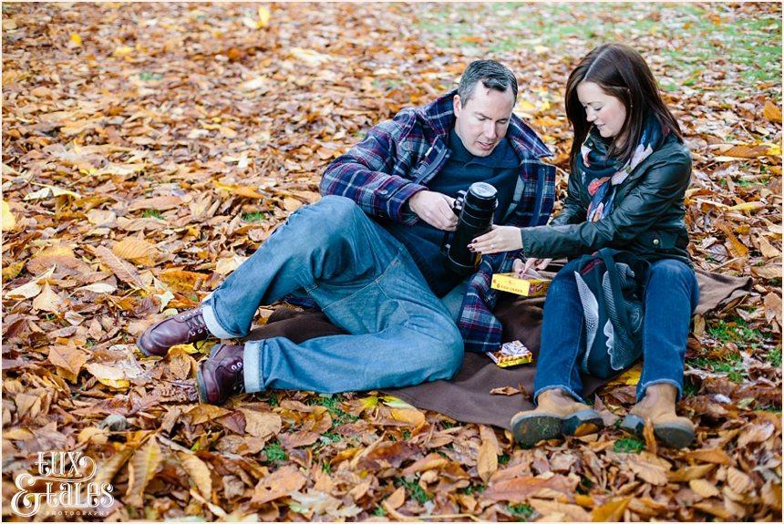 autumn picnic engagement shoot in york