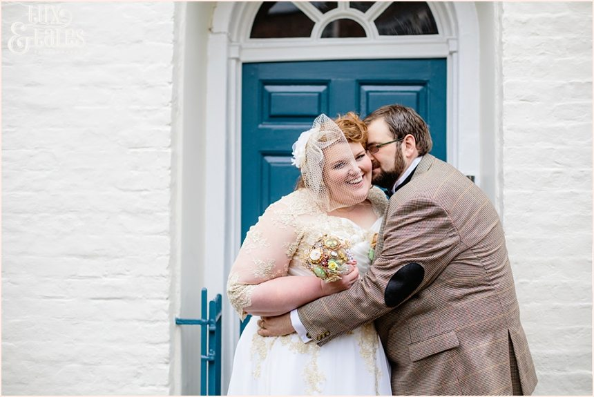 York wedding phtoography inf ront of blue door grays court plus sized bride