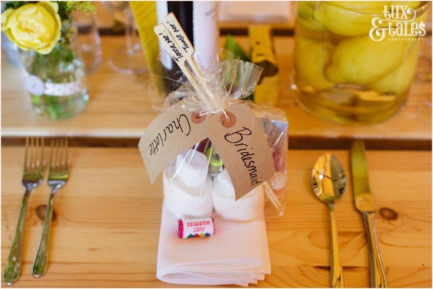 Marshmallows tipi wedding