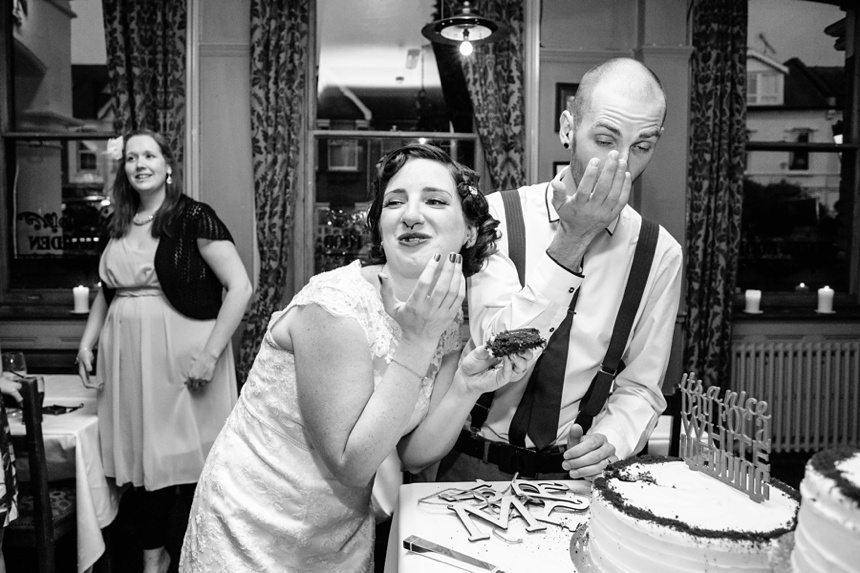Documenatry Wedding Photography Cake in the eye