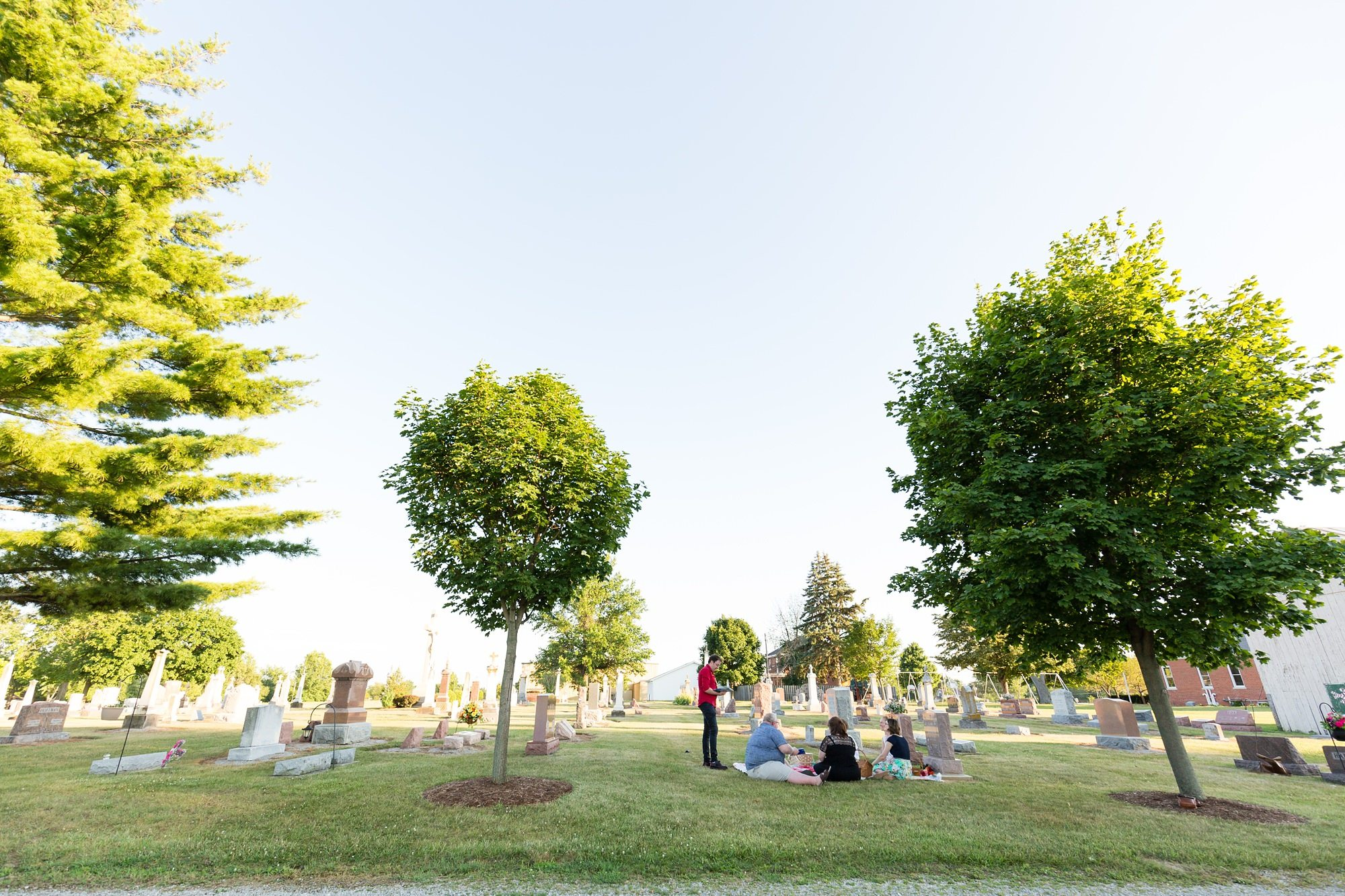 Intimate wedding by mother's grave in Ft. Wayne Indiana