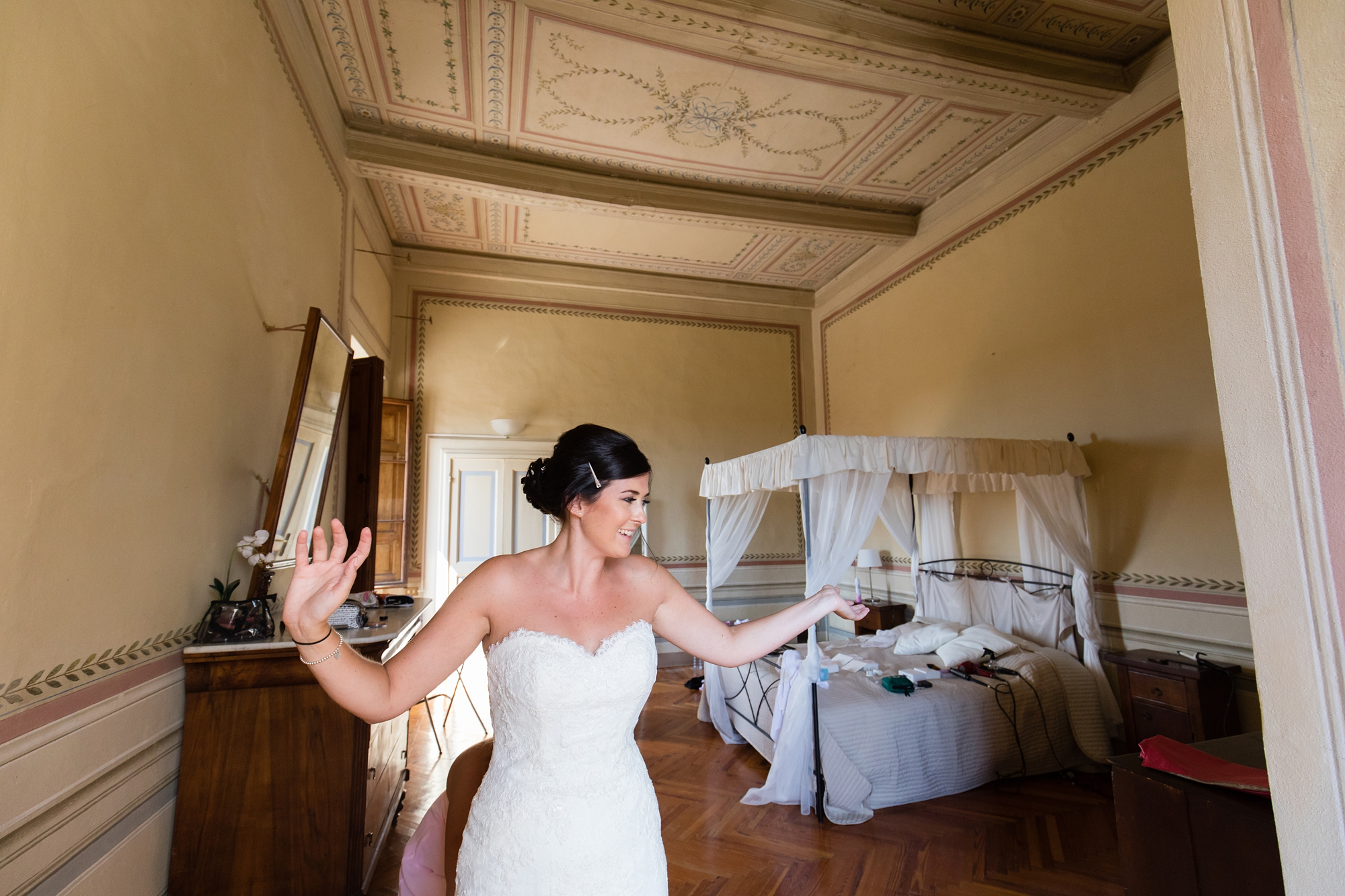 Villa Catignano Siena Wedding Photography bride preparation