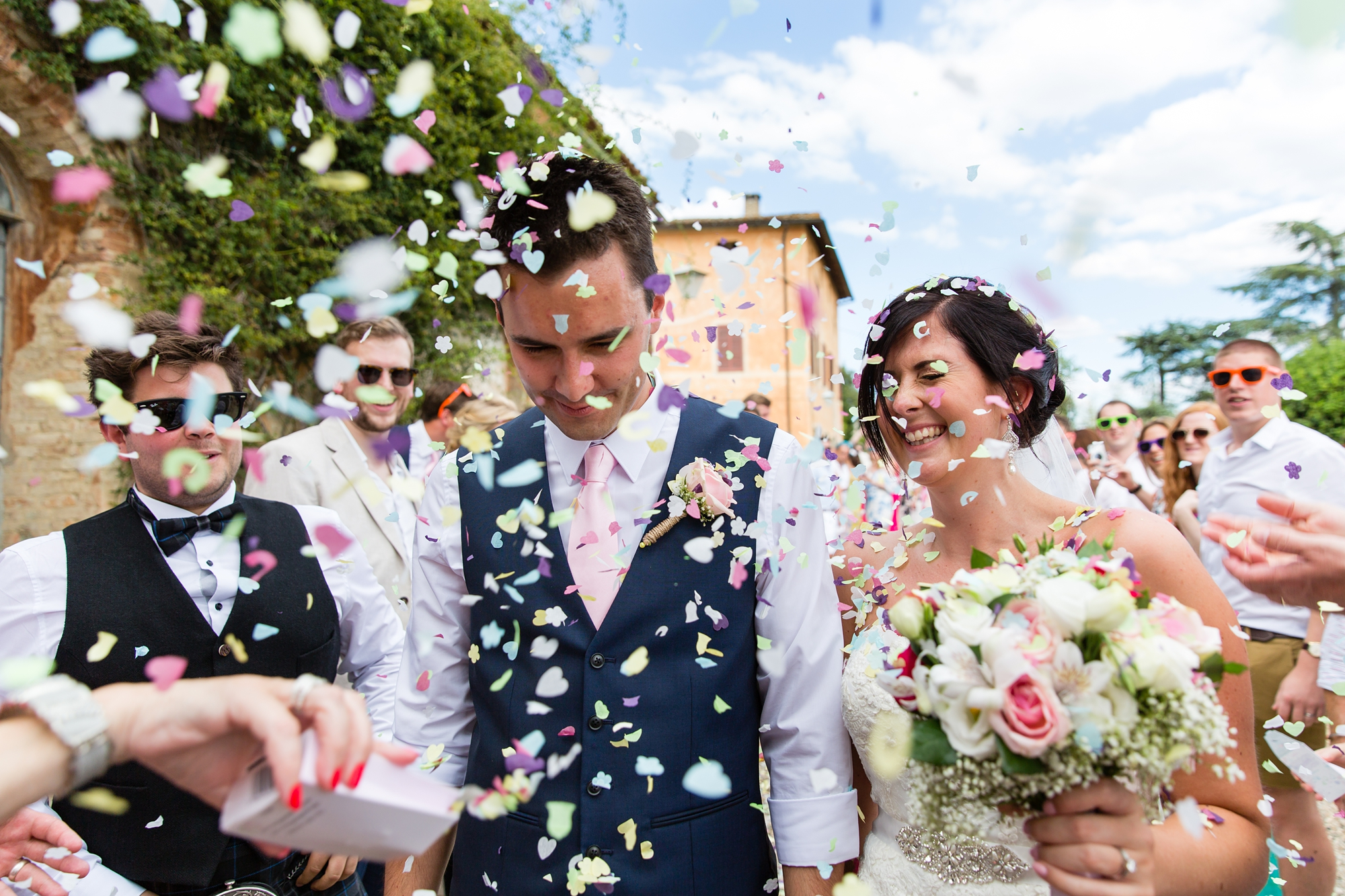Villa Catignano Siena Wedding Photography confetti