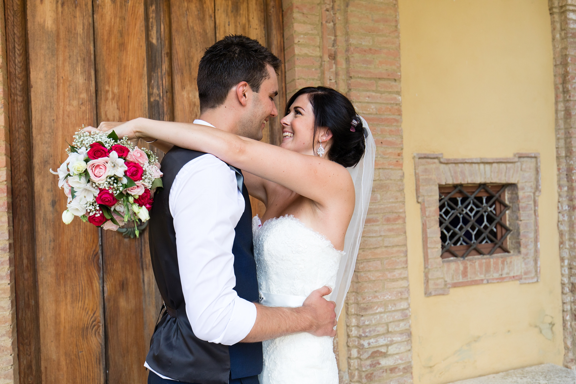 Villa Catignano Siena Wedding Photography bride and groom