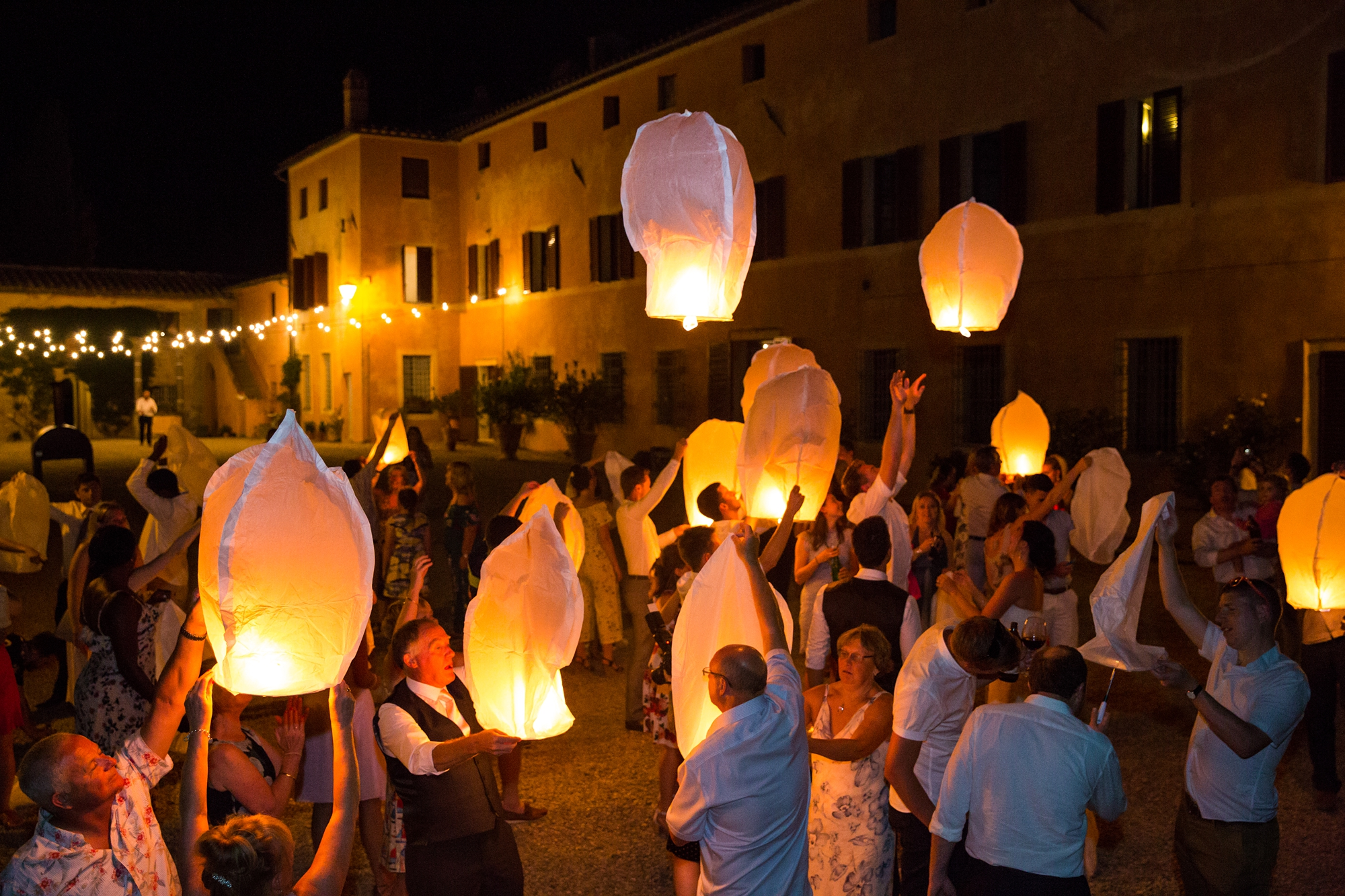 Villa Catignano Siena Wedding Photography paper lanterns