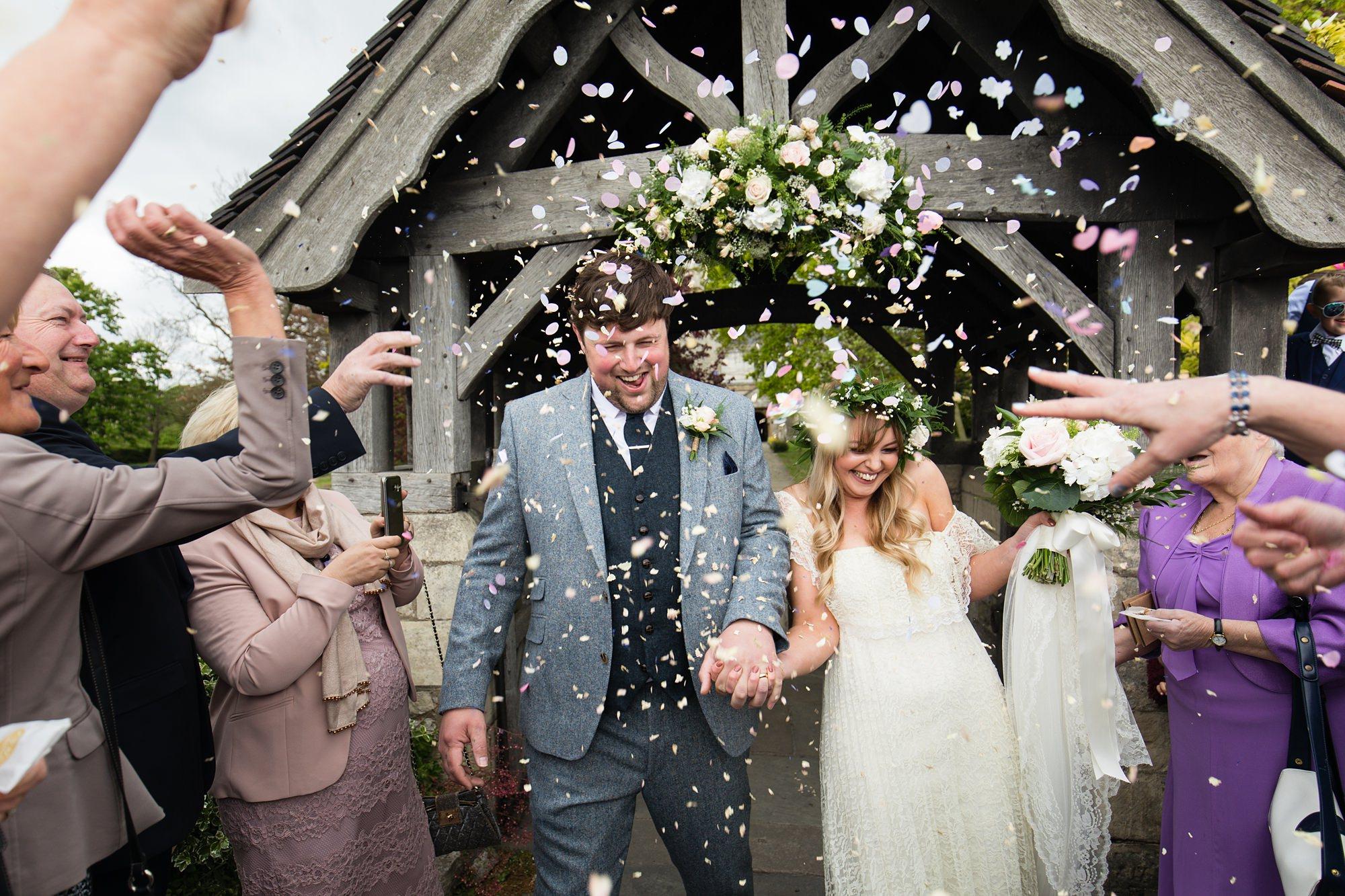 Villa farm wedding photography explosive confetti