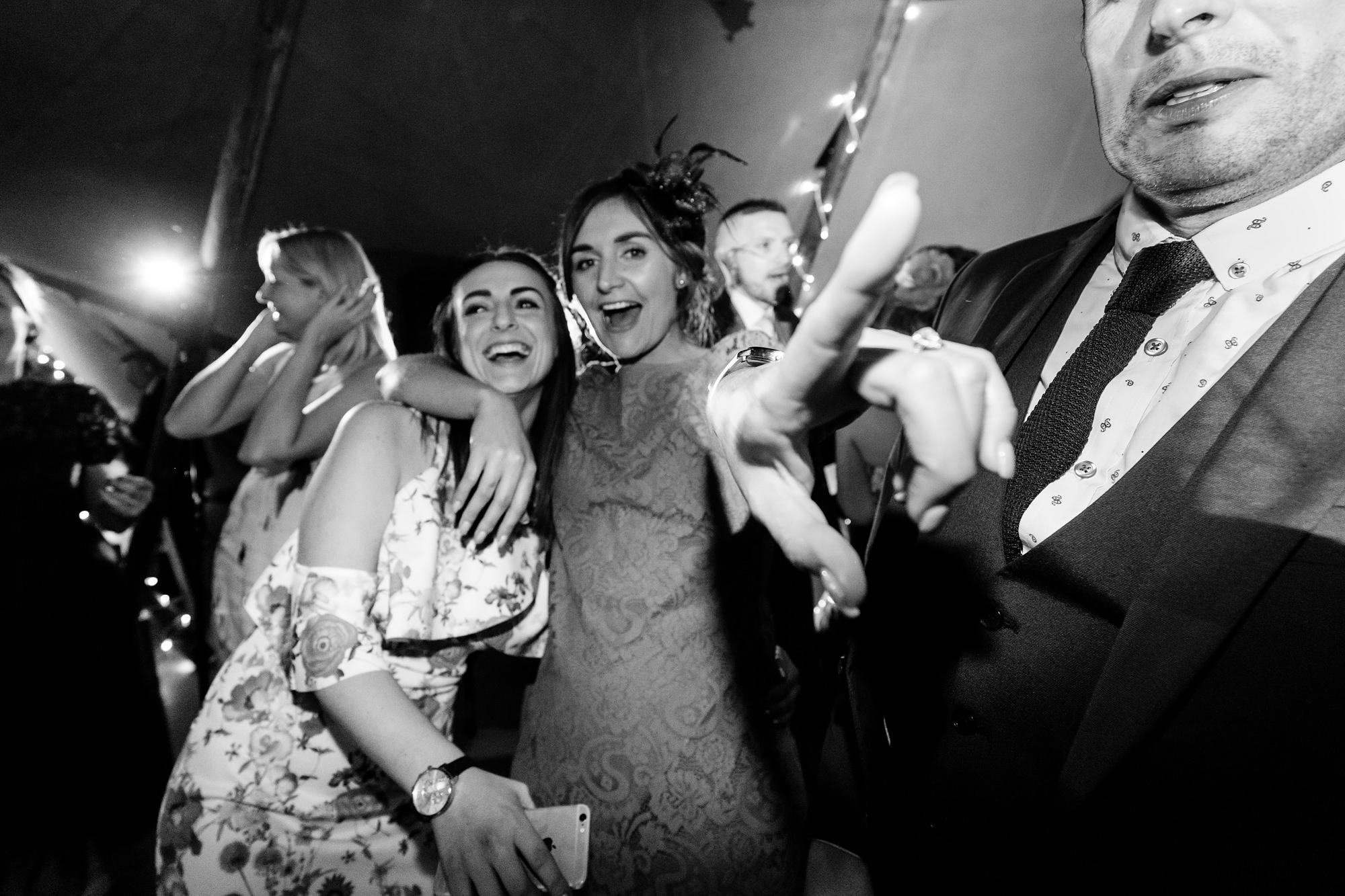 Villa farm wedding photography party dance