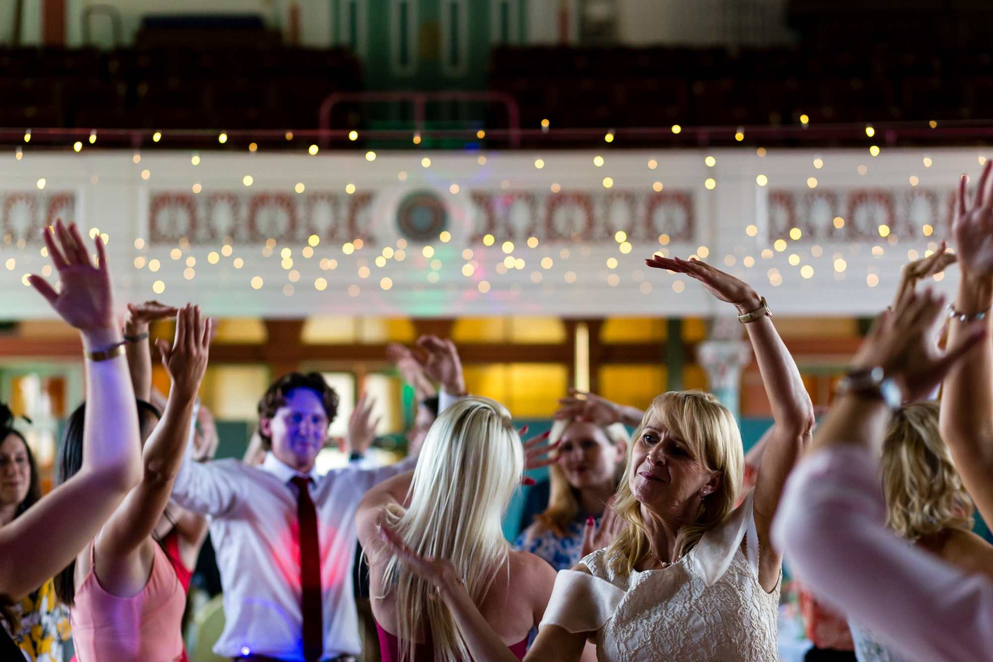 A fun Yorkshire Wedding dance party phtoography