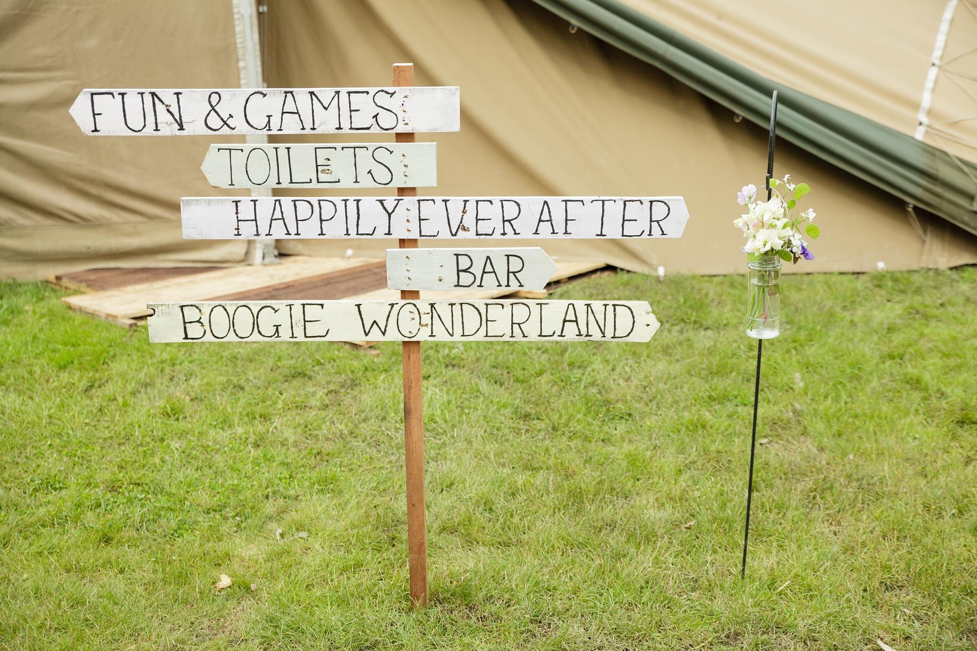 Villa Farm Weddings Wedding sign