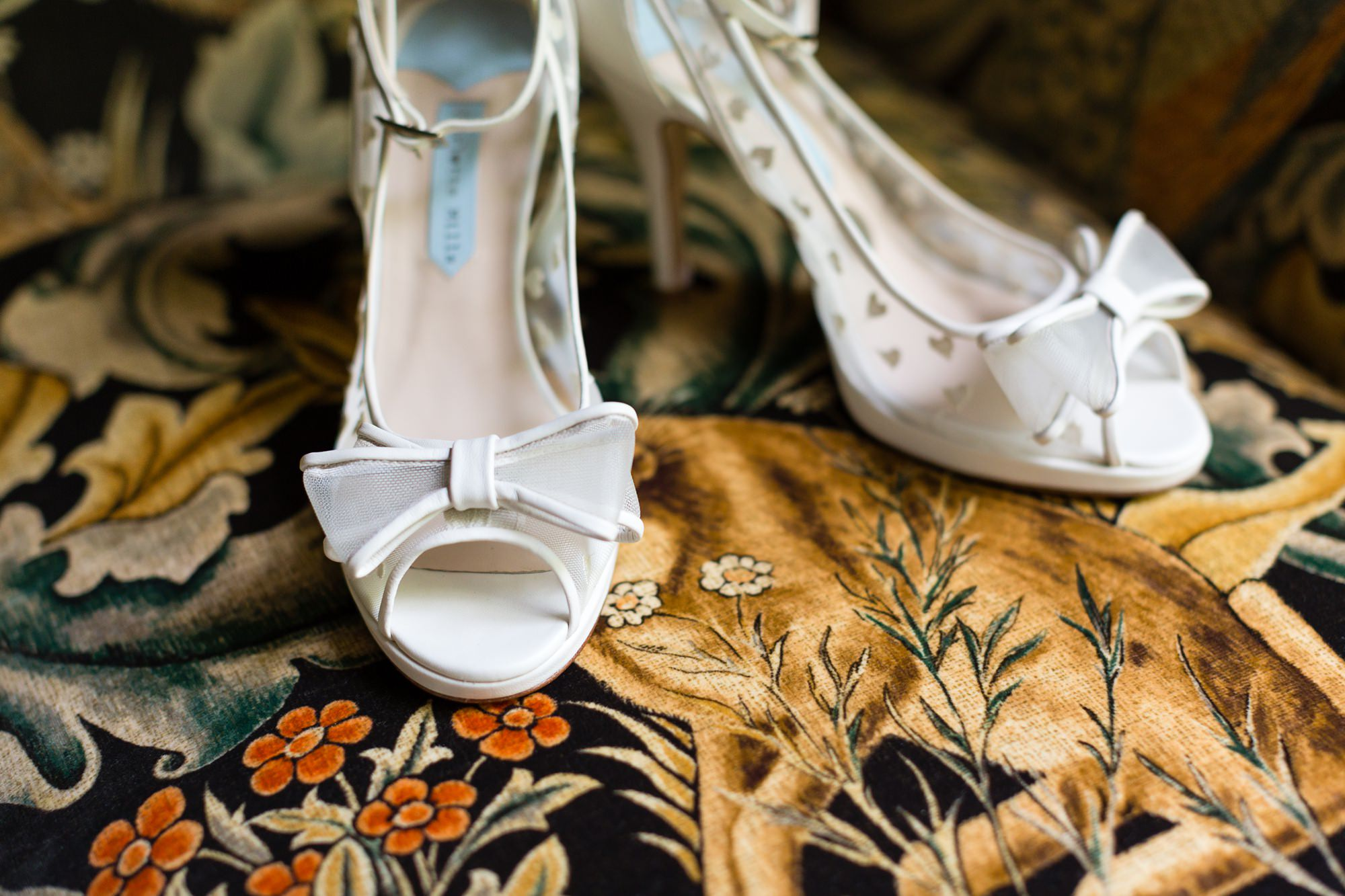 Beautiful wedding shoes with bows